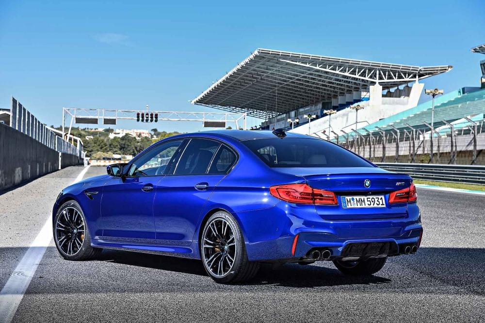 2018_BMW_M5_G30_03.jpg